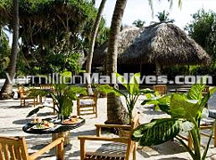 Open Air Dining at Kuramathi Cottage - Maldives Resort Hotels