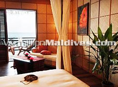 Water Bungalow of Kuramathi Cottage Maldives : Luxury honeymoon retreat over water