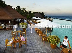 Beach Bar of Kurumba Hotels Maldives – Resorts for Couples and families