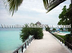 Arrival Jetty to Makunudhu Island resort Maldives - Beach Holiday place