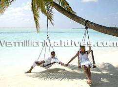 Beautiful Beaches of the Maldives for romantic moments