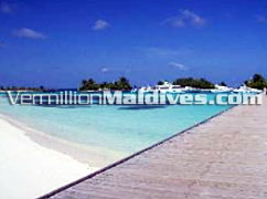 Jetty of Paradise Island Maldives & the beautiful Maldives weather