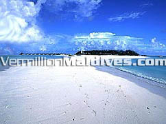 Paradise Island Maldives picture. Get lost in the Maldives Indian Ocean
