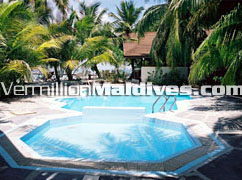 Maldives Ranveli Village & Spa's swimming pool for your holiday