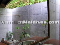 Out Door Shower of Reethi Villa at Maldives Reethi Beach hotel