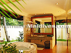 Royal and Spacious bathroom of the Presidential Suite at Royal Island