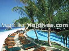 Swimming pool & white beach for the travelers to fulfill their holiday at Royal