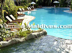 Fullmoon Maldives Sheraton Hotels Swimming Pool for your relaxation