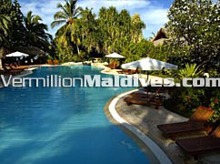 Pool at Sheraton Maldives Full Moon – Be here for relaxation & 5 star service