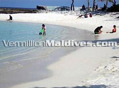 Enjoy the clear waters of Maldives – Skai Lodge Male' Hotel