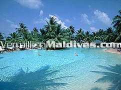 Maldives Hotel Sun Island Resorts main swimming Pool
