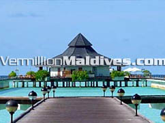 Maldives five star hotel Sun Island Resort & Spa's Over water accommodations