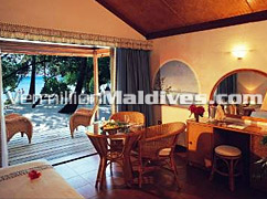 Clean Spacious Living Area in Thundufuhsi Island Maldives – Get away for your Holidays