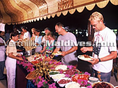 Buffet in Thulhagiri Resorts - Maldives Vacation at great rates