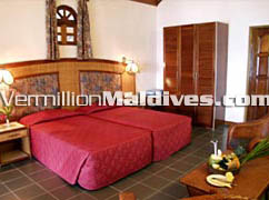Nice simple & beautiful accommodations at Vakarufalhi