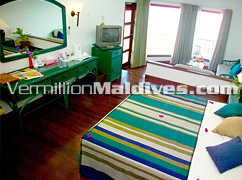Simple and affordable Resort in Maldives – Velidhu Island resort Maldives – Get your honeymoon deal now