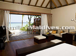 Jacuzzi Beach Villa Interior in Veligandu Island Resort Maldives – Sleek Design