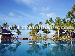 Main Pool Veligandu Island Resort Maldives – Spend your Vacations in Style