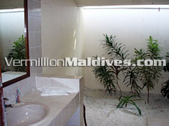 Simple and Clean Bathrooms - Vilamedhoo Island Resort – Book online with us and enjoy
