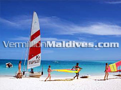 Hotel with Water Sports – Catamarans and More in Vilu Reef – Hotels Maldives