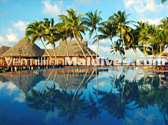 Pool - Vilu Reef Maldives - Beach Resort Hotel in Maldives