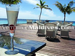 Drinks are served in style in the Maldives Resort Hotel Vivanta by Taj Corel Reef