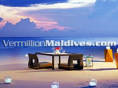 Resort with best Beach Dinner - W Retreat Maldives - W Hotels