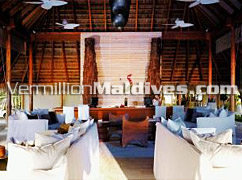 Resort with best Service - W Retreat – Island Hotel in the Maldives